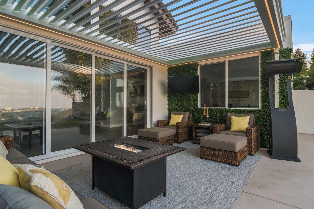 Outdoor Living Room 11